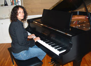 Piano classes for adults 19 years and older